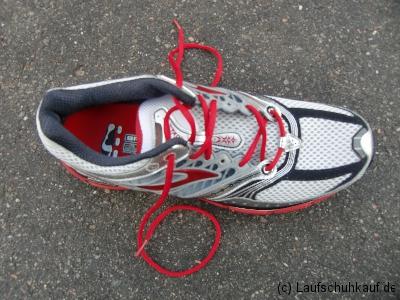 Schnürung schmerzender Fußrücken Schritt 4a
