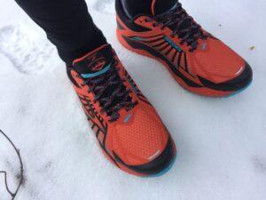 Laufschuhe im Schnee waschen (c) Laufschuhkauf.de