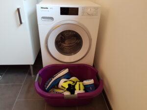 Laufschuhe in der Waschmaschine waschen (c) Laufschuhkauf.de