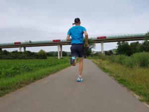 Laufschuhtest Brooks Hyperion Tempo (c) Laufschuhkauf.de